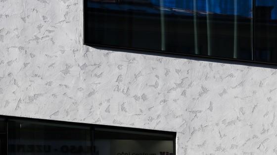 Vista Optik ve Valašském Meziříčí detail fasády