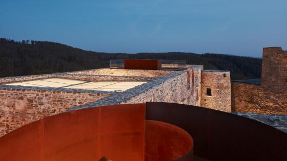 hrad Helfštýn - vyhlídka noční